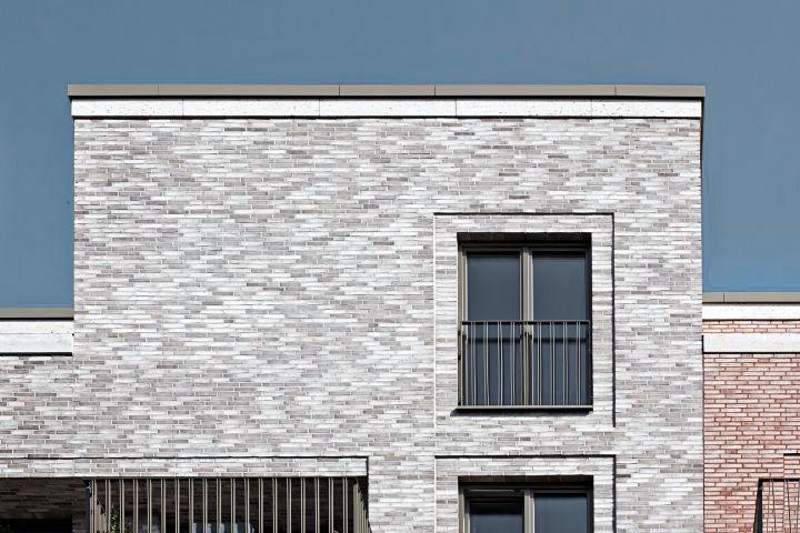 1107_Eleven-Houses_BIWERMAU_F_15_150_sRGB